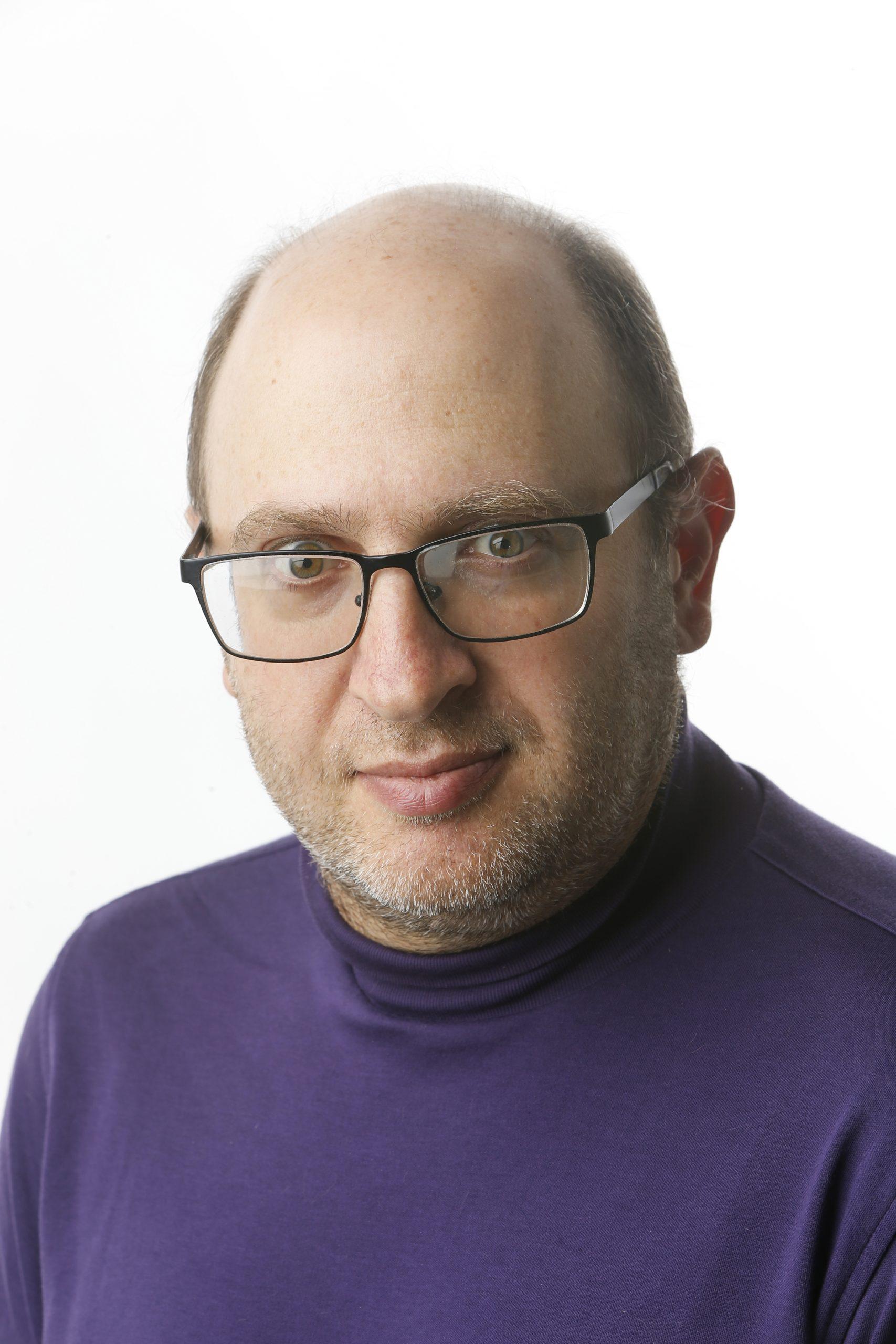 headshot of Robert Gebeloff